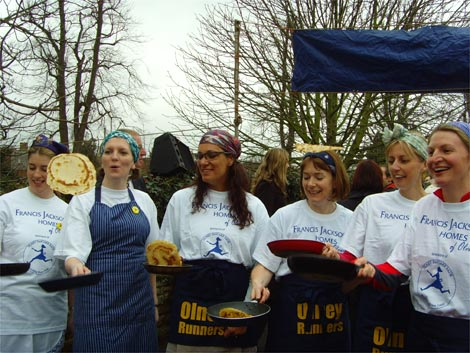 Olney_pancake_race_1