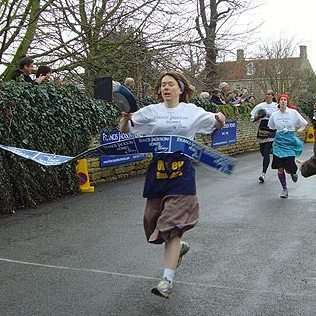 Olney_pancake_race_4