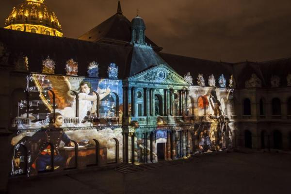 パリ、アンヴァリッドで光と音の3Dショー『アンヴァリッドの夜(La nuit aux Invalides)』