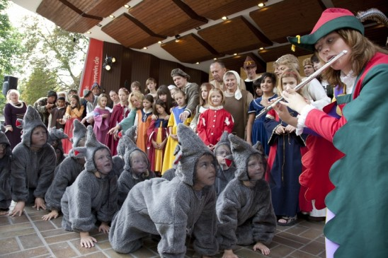 Pied-PIper-open-air-performance