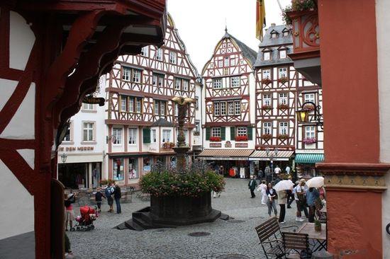 Historischer_Marktplatz_Bernkastel-Kues
