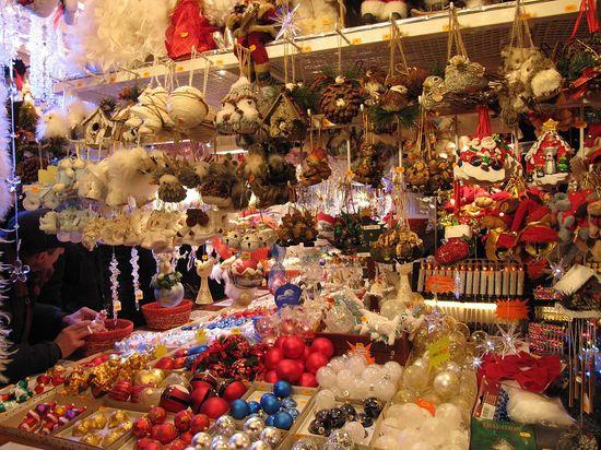 Christmas_market,_Strasbourg_2