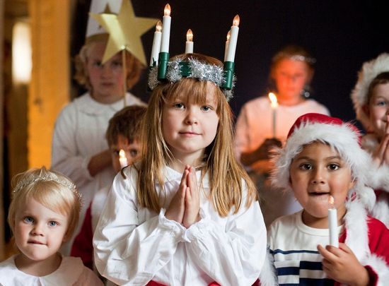 Celebrating-Lucia-children
