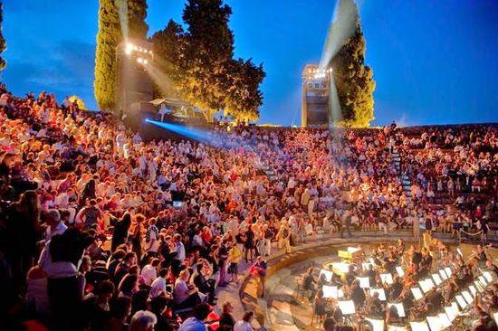 Pompei-Festival-Teatro-Grande-Pompeia
