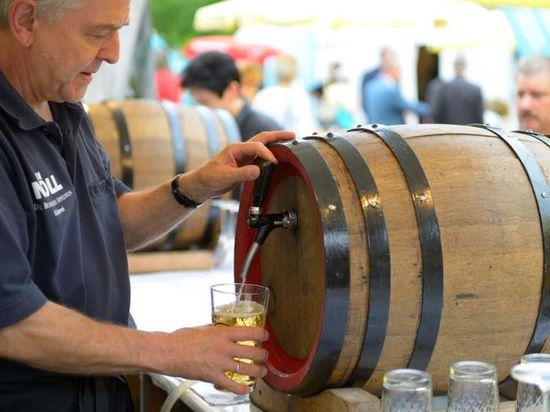 Apfelweinfestival-Rossmarkt_3