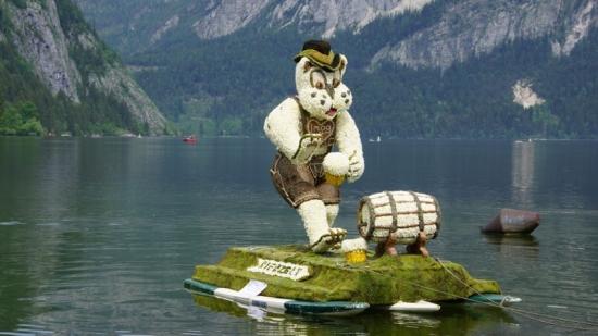 8_Chri-Chri-Gaisberger-Marl-und-Freunde_Tobi-der-Altausseer-Bierzelt-Partytiger_Figur-neu
