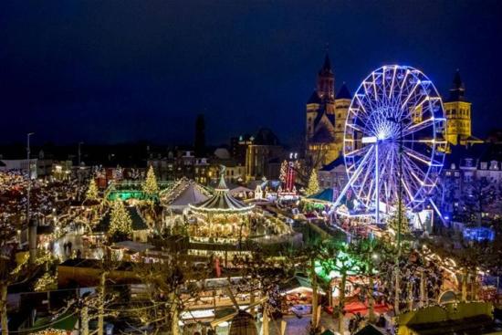 Kerstmarkt-maastricht-