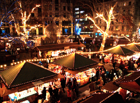Christmas-Market-Vorosmarty-Square
