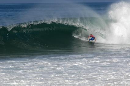Natural_surf_lodge_1