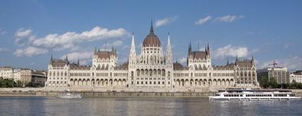 Parlament_tavoli_kicsi