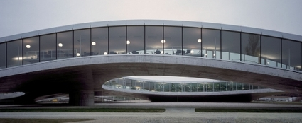 Rolex_learning_center_2